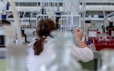 Chemielaborant/in oder Chemie- und Pharmatechnologe/in